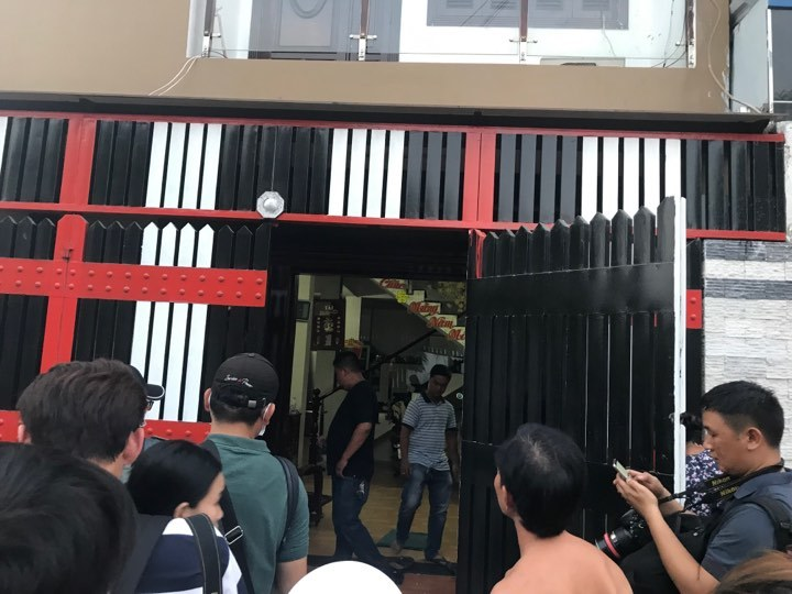 Cảnh sát khám xét khẩn cấp nhà riêng của Phúc XO-2