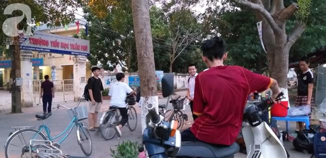 Vụ thầy giáo nghi dâm ô nhiều học sinh nam ở Hà Nội: Công an, nhà trường đang họp khẩn, học sinh hoang mang-4