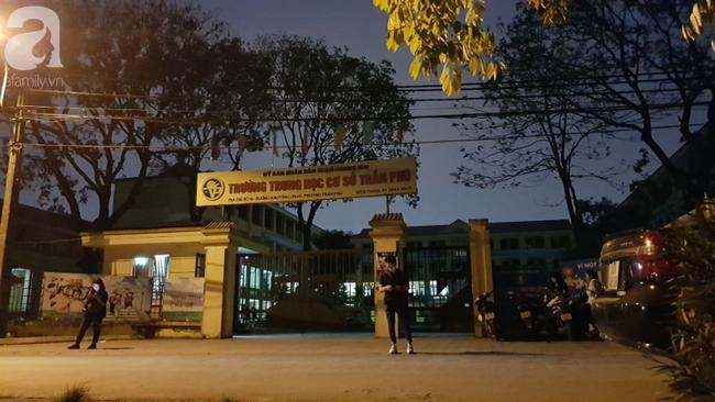 Vụ thầy giáo nghi dâm ô nhiều học sinh nam ở Hà Nội: Công an, nhà trường đang họp khẩn, học sinh hoang mang-7