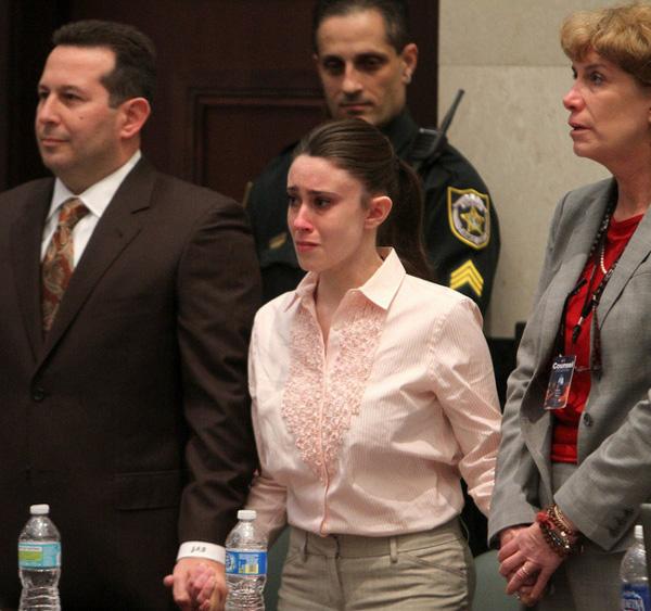 Vụ án bà mẹ trẻ độc ác giết con gái 3 tuổi, vài ngày sau tiệc tùng thả ga, nói dối cảnh sát nhưng cuối cùng vẫn được tuyên trắng án-6