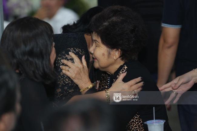 Mẹ nghệ sĩ Anh Vũ đã xuất viện sau một ngày cấp cứu, cùng gia đình cảm ơn từng người tới thăm viếng-3