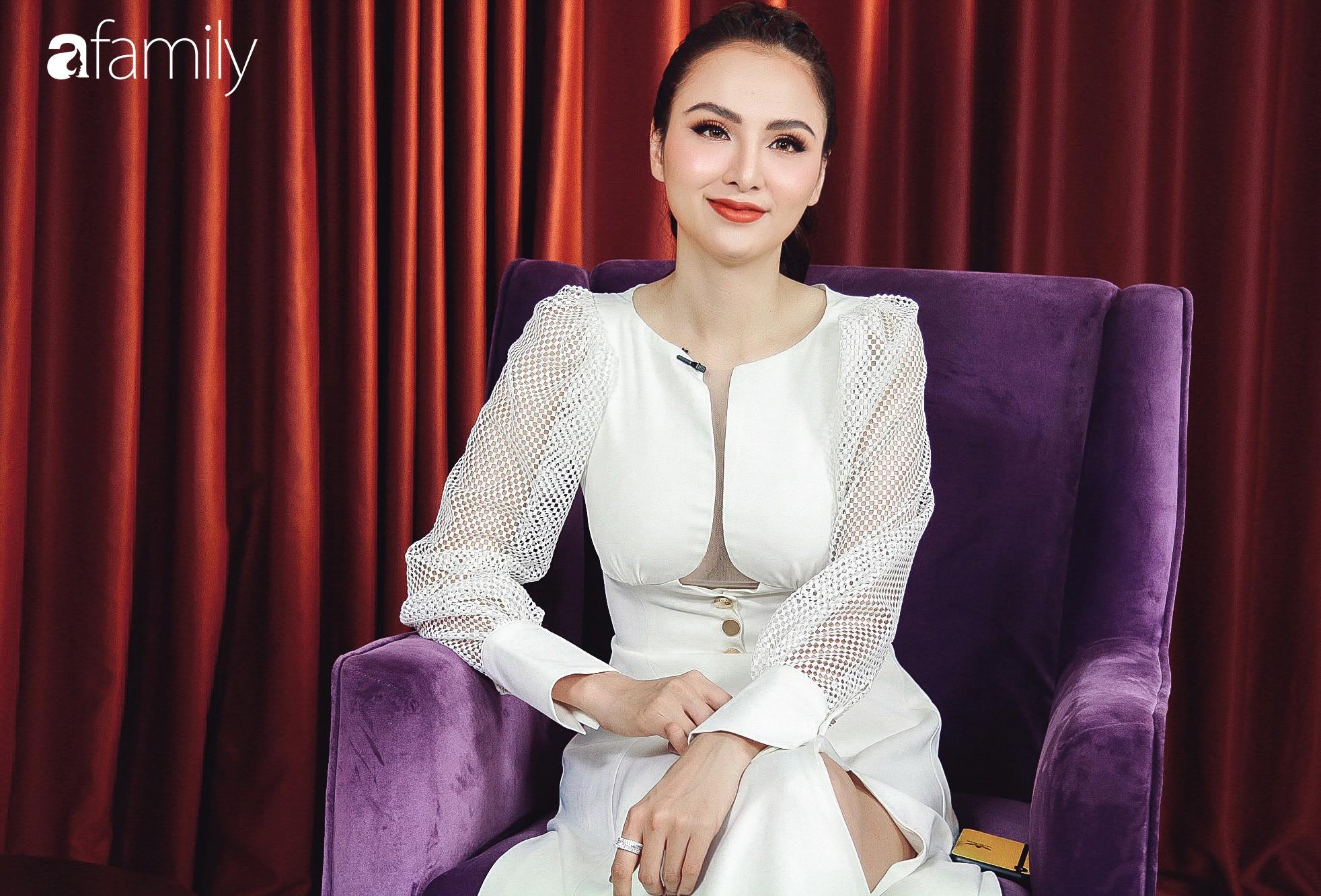 Hoa hậu Diễm Hương: Chồng nào cũng bảo nếu em đừng làm ra tiền thì đã dễ dạy hơn-8