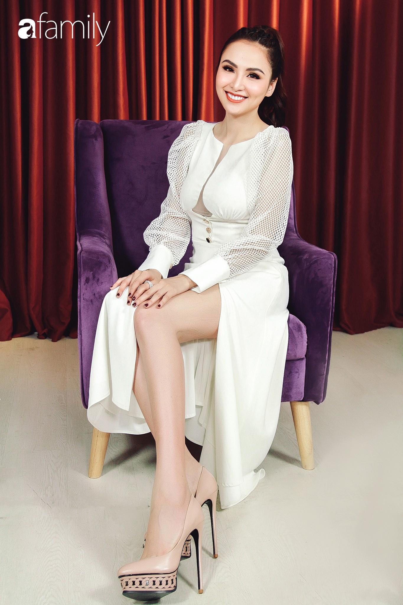 Hoa hậu Diễm Hương: Chồng nào cũng bảo nếu em đừng làm ra tiền thì đã dễ dạy hơn-13