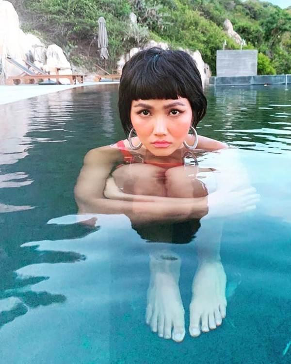 Á hậu Thuỳ Dung lại khiến fans ngất ngây khi khoe body nóng bỏng với bikini-6