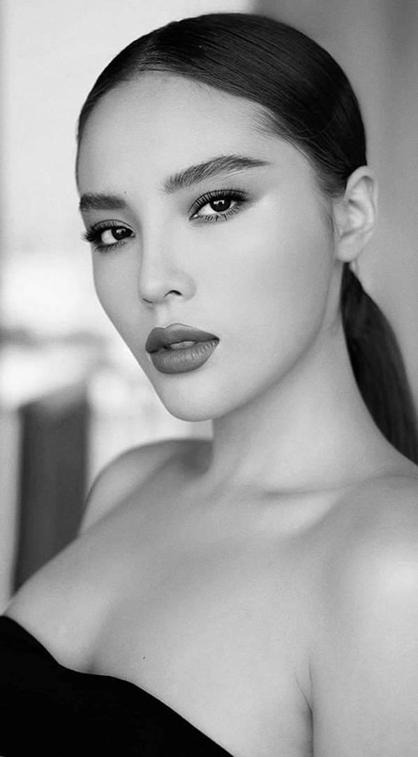 Á hậu Thuỳ Dung lại khiến fans ngất ngây khi khoe body nóng bỏng với bikini-7