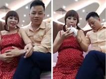 Cô dâu 62 tuổi xuất hiện với bụng bầu
