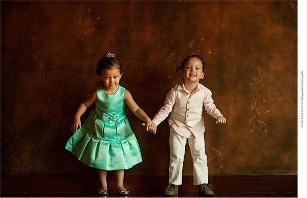 Những khoảnh khắc đáng yêu, ngọt lịm của cặp song sinh nhà Hồng Nhung-7
