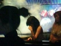 Chồng vào bar