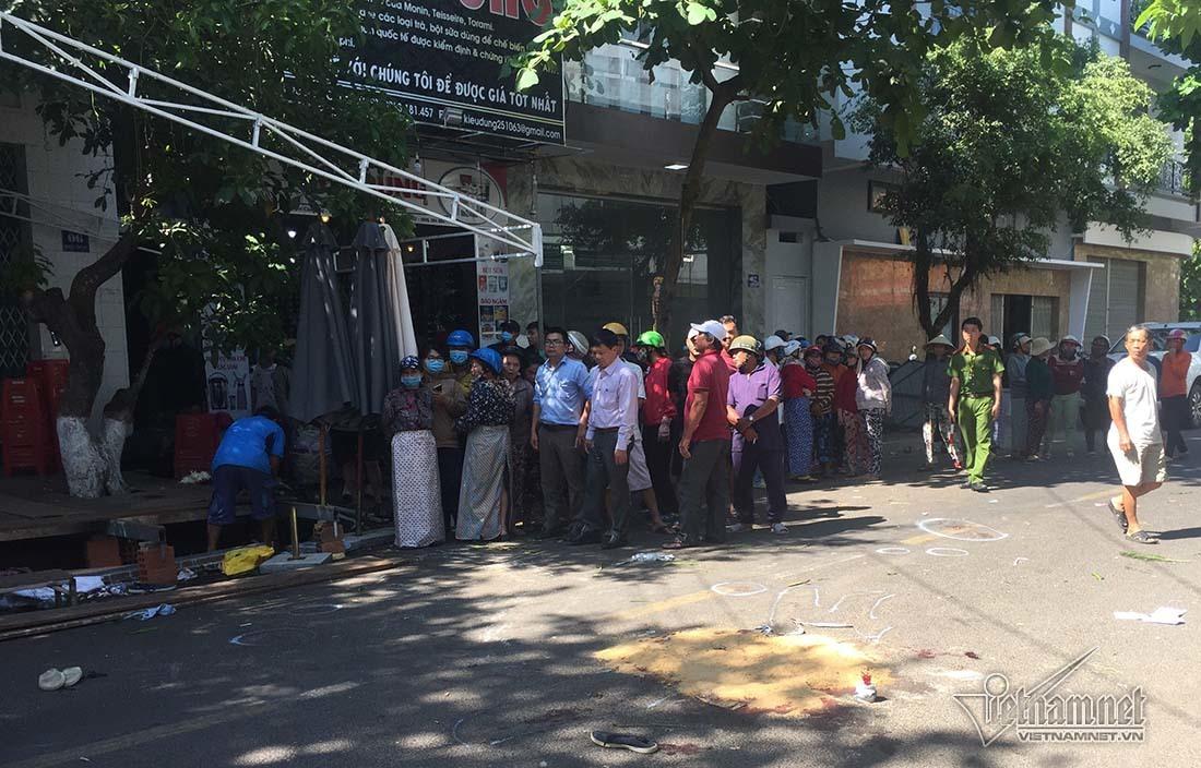 Lái xe Lexus biển tứ quý tông chết 4 người ở Quy Nhơn quỳ gối xin lỗi-4