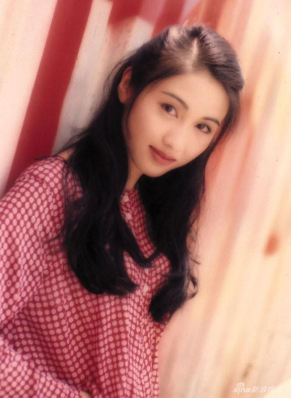Lê Tư hồi trẻ đẹp thế nào mà Trương Bá Chi phải nói: Ở Hong Kong tôi chỉ thừa nhận cô ấy đẹp hơn tôi-12