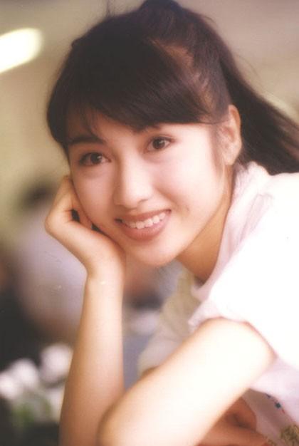 Lê Tư hồi trẻ đẹp thế nào mà Trương Bá Chi phải nói: Ở Hong Kong tôi chỉ thừa nhận cô ấy đẹp hơn tôi-4