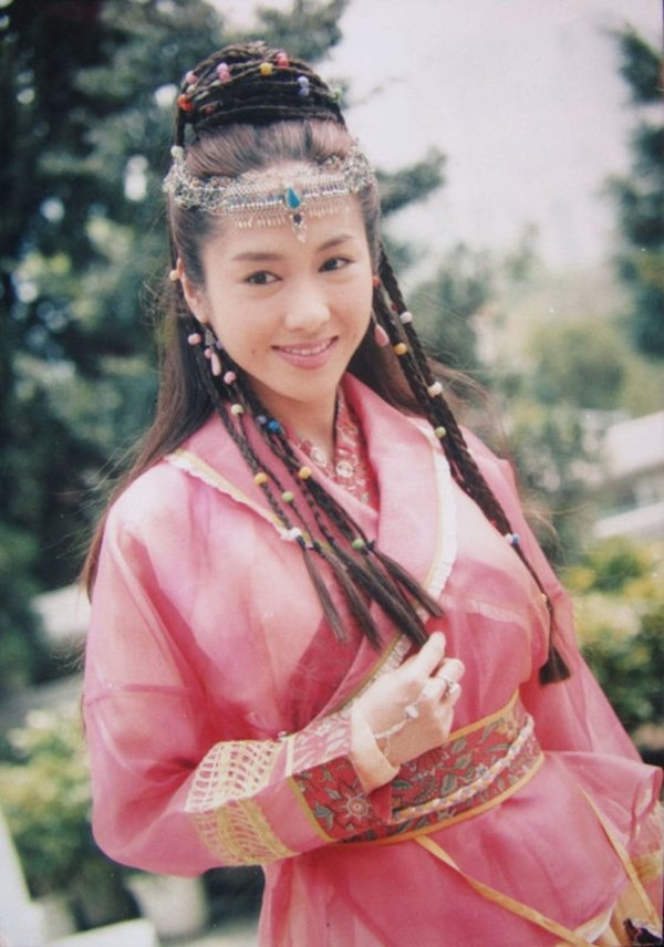 Lê Tư hồi trẻ đẹp thế nào mà Trương Bá Chi phải nói: Ở Hong Kong tôi chỉ thừa nhận cô ấy đẹp hơn tôi-6
