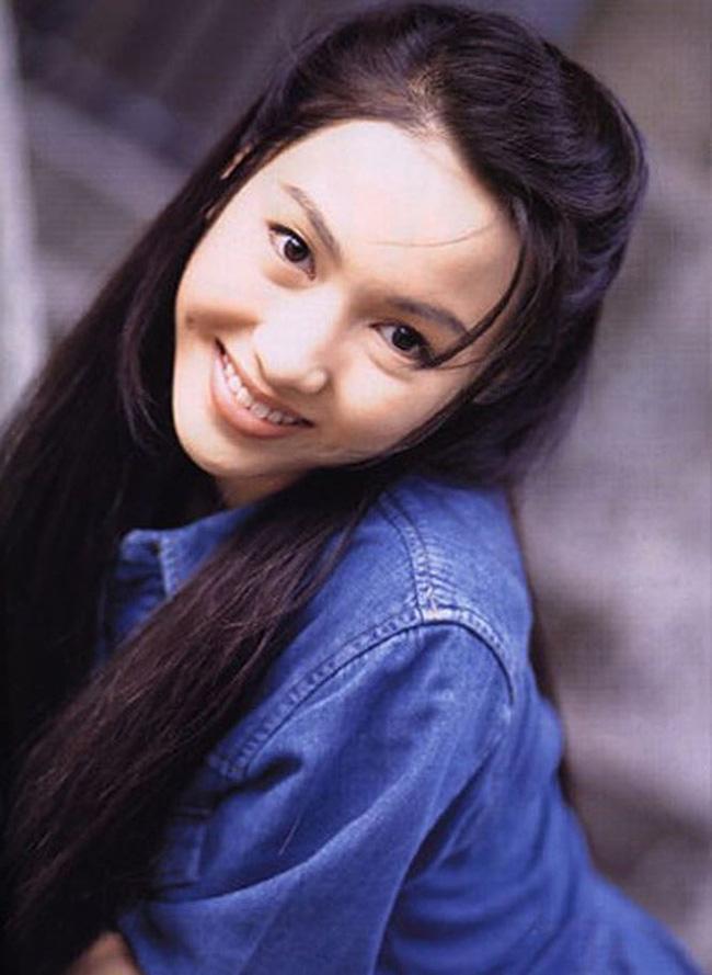 Lê Tư hồi trẻ đẹp thế nào mà Trương Bá Chi phải nói: Ở Hong Kong tôi chỉ thừa nhận cô ấy đẹp hơn tôi-8