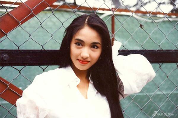 Lê Tư hồi trẻ đẹp thế nào mà Trương Bá Chi phải nói: Ở Hong Kong tôi chỉ thừa nhận cô ấy đẹp hơn tôi-9