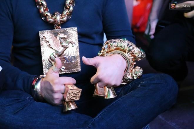 Khối vàng ròng và 300 tỷ tiền mặt qua lời Phúc XO-3
