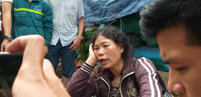 Hiện trường vụ cháy làm 8 người chết tại Hà Nội: Người mẹ gào khóc ngồi đợi nhận thi thể con trai-1