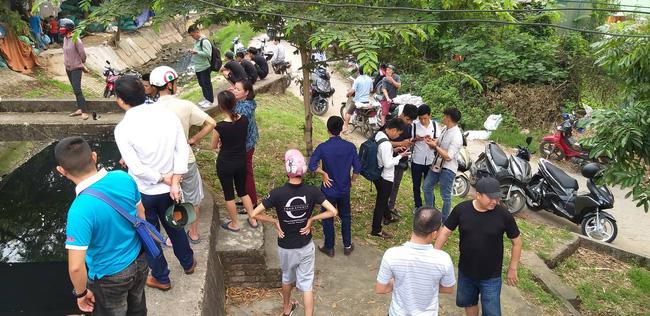 Hiện trường vụ cháy làm 8 người chết tại Hà Nội: Người mẹ gào khóc ngồi đợi nhận thi thể con trai-7