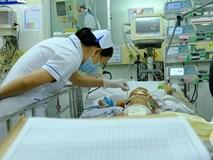 Bé trai 2 tháng tuổi tử vong sau 1 ngày tiêm vắc-xin 5 trong 1: Đến bệnh viện bé đã ngưng tim và chết não