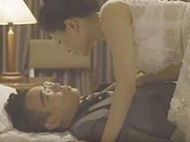 Hot girl Trâm Anh hôn môi, đè ngửa bạn diễn nam ra giường trong bộ phim này