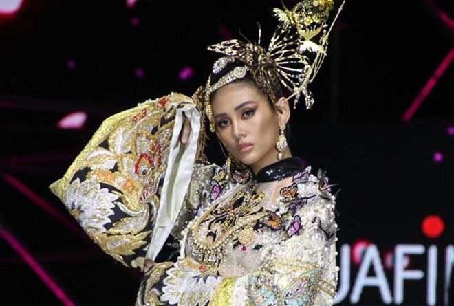 Võ Hoàng Yến lên tiếng về cú ngã trong show diễn thời trang-1