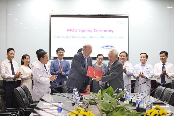 Vinamilk đẩy mạnh hợp tác chiến lược với Bệnh viện Chợ Rẫy-1