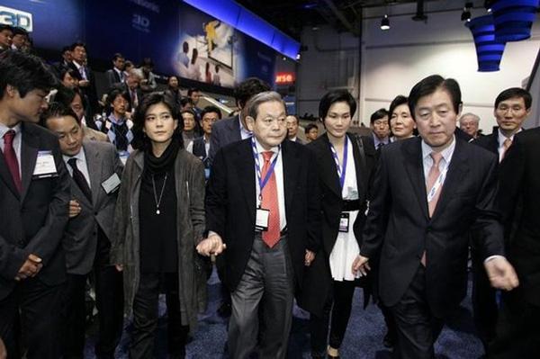 Cái kết khó tin của cuộc hôn nhân giữa ái nữ Samsung và quý tử tờ báo danh tiếng-3
