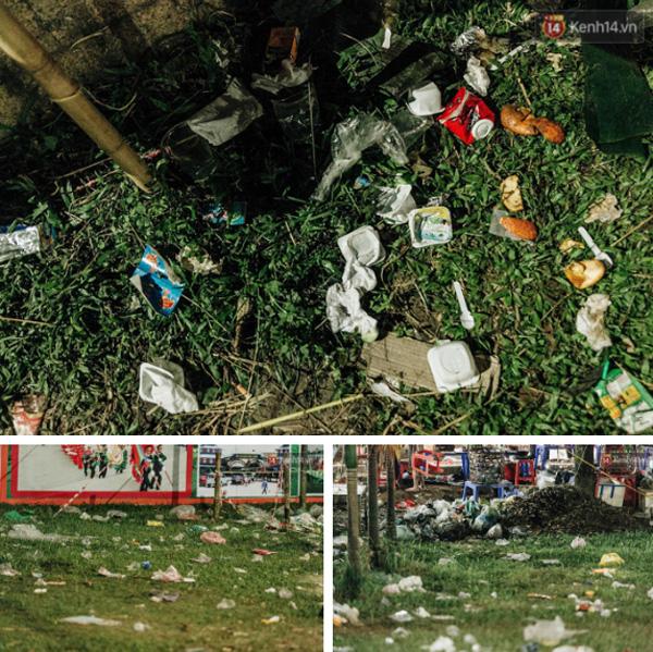 Chùm ảnh: Du khách thuê bạt 150k/đêm nằm ngủ la liệt ngoài trời, xung quanh những thùng rác thải chất đống tại đền Hùng-16