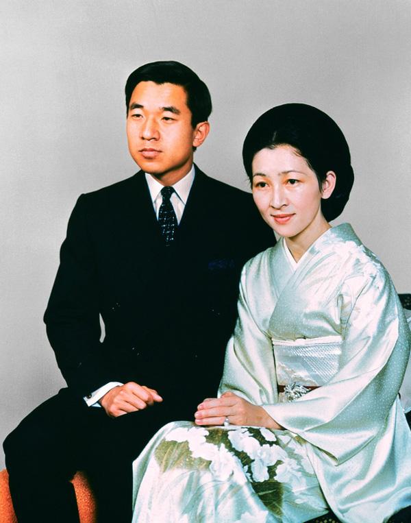 Nhan sắc kiều diễm của Hoàng hậu thường dân Michiko thời trẻ, khiến vua say đắm đến phá bỏ quy tắc Hoàng gia-3