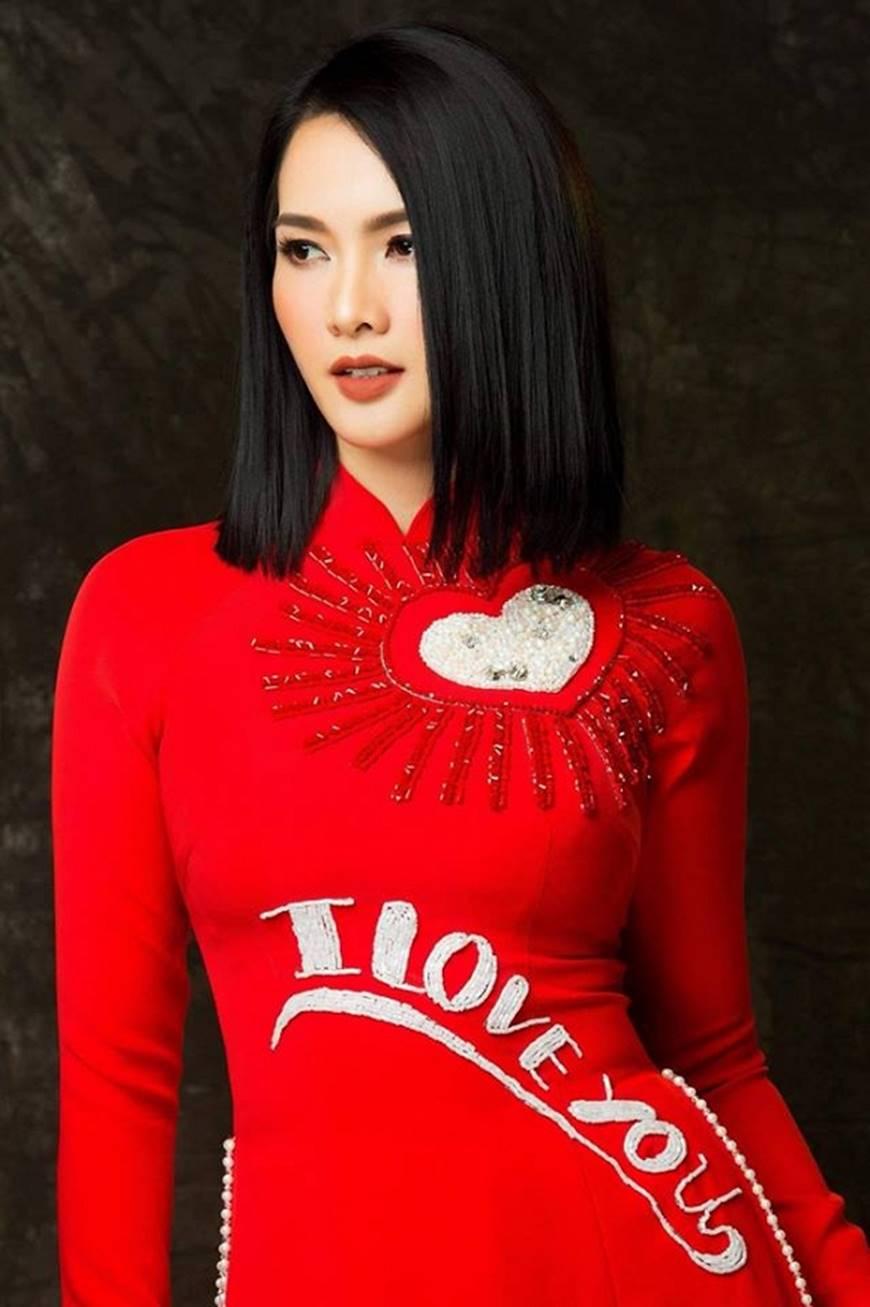 Anh Thư kín đáo, sang trọng với loạt thiết kế áo dài quyền quý-11