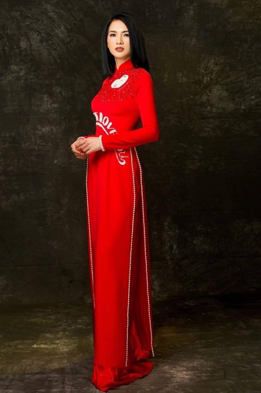 Anh Thư kín đáo, sang trọng với loạt thiết kế áo dài quyền quý-13