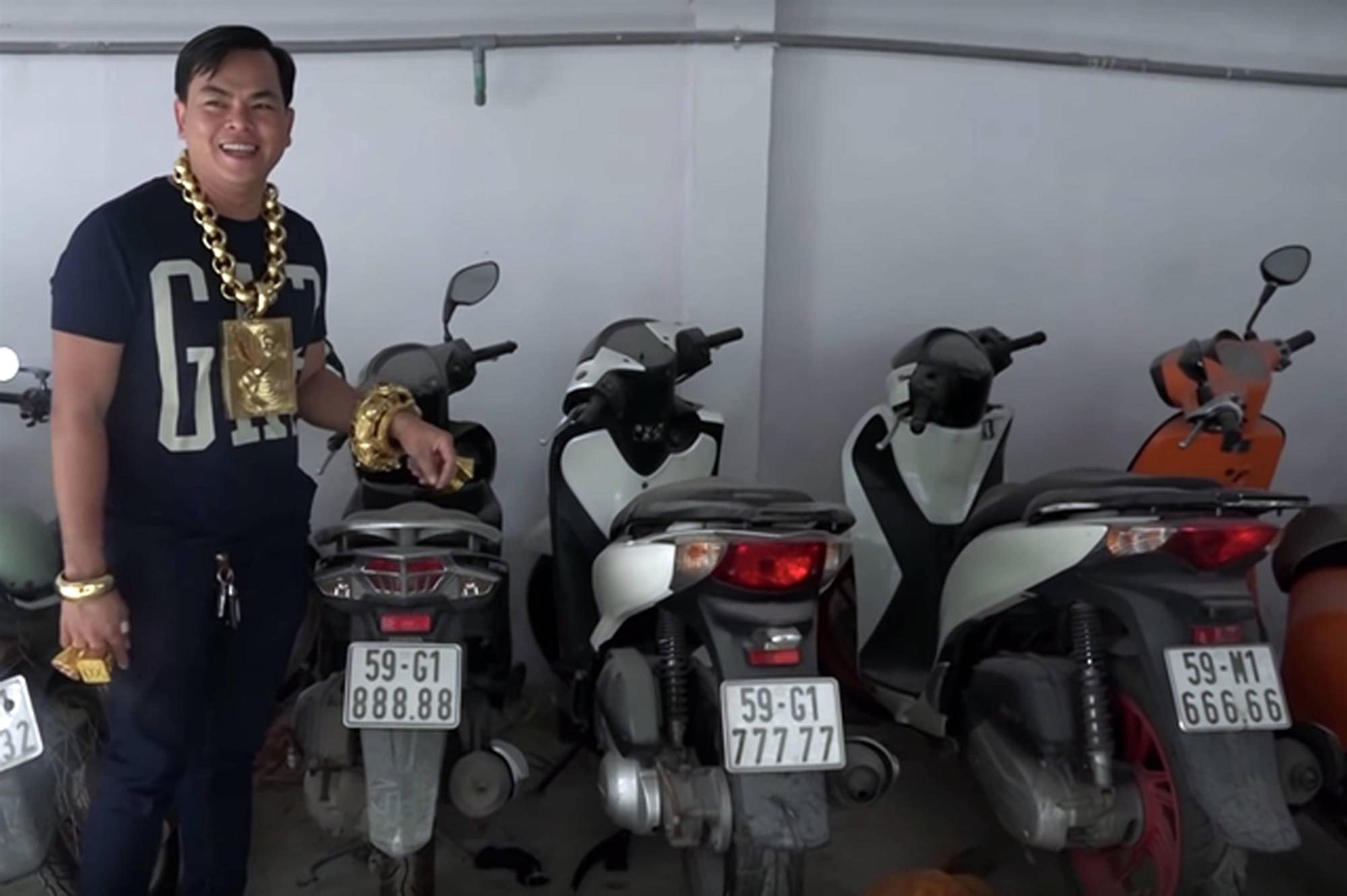 Ảo Phúc XO: Tay phụ xe nghèo nổi phềnh thành đại gia vàng-4