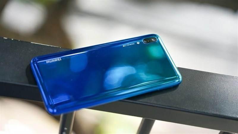 Loạt smartphone pin trâu, giá dưới 5 triệu đồng đang bán tại VN-5