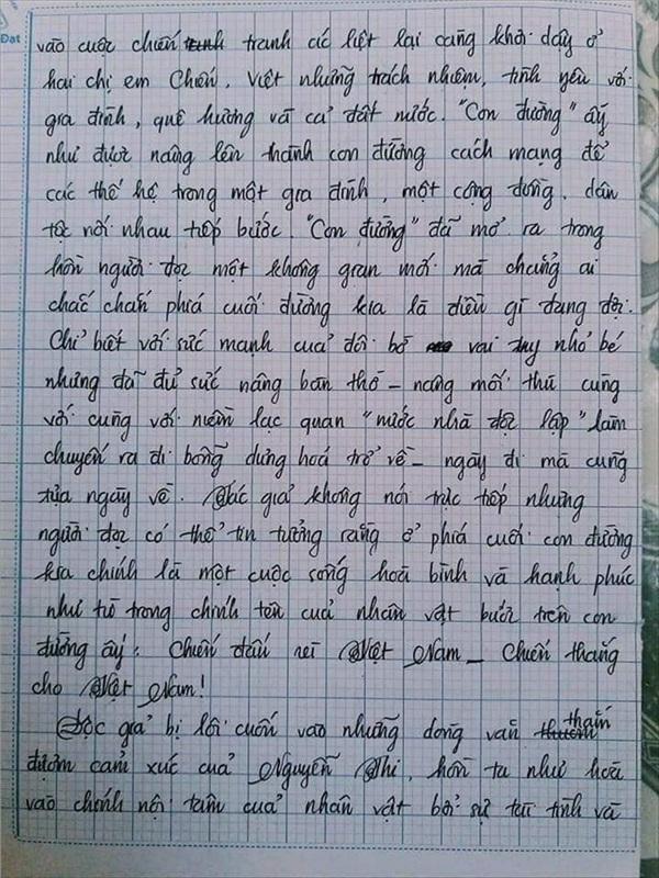 Bài văn 9.5 điểm xuất sắc từ nội dung đến chữ viết, khiến giáo viên bất lực khi viết lời phê-12