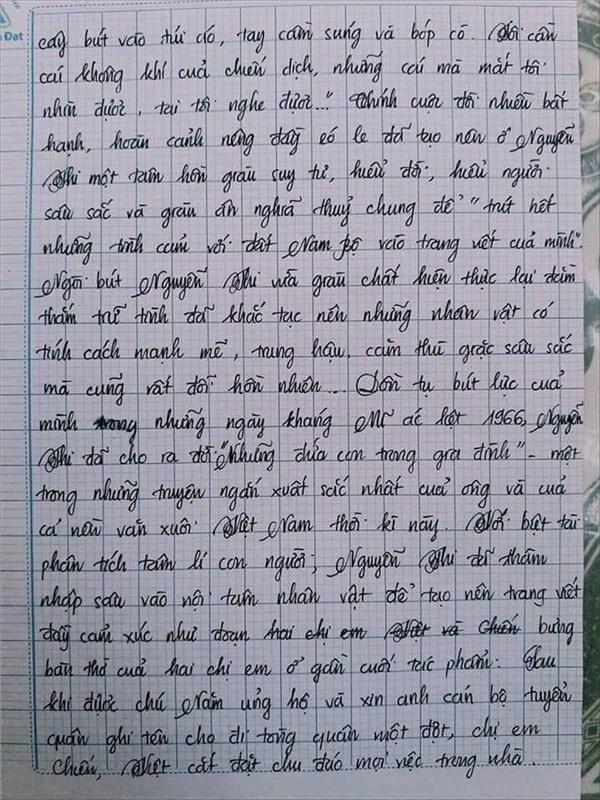 Bài văn 9.5 điểm xuất sắc từ nội dung đến chữ viết, khiến giáo viên bất lực khi viết lời phê-3
