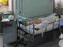 TP.HCM: Thương vợ bỏng nặng, chồng đau đớn đòi bán thận lo tiền cứu vợ