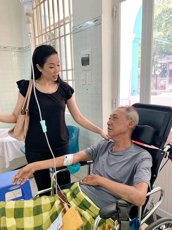 Sốt và hôn mê 2 ngày liên tiếp, nghệ sĩ Lê Bình đang rơi vào tình trạng nguy kịch-3