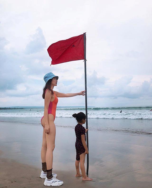 Đàm Thu Trang - Cường Đô La khoe ảnh nghỉ lễ, Jun Vũ gợi cảm ở Hồ Tràm-9