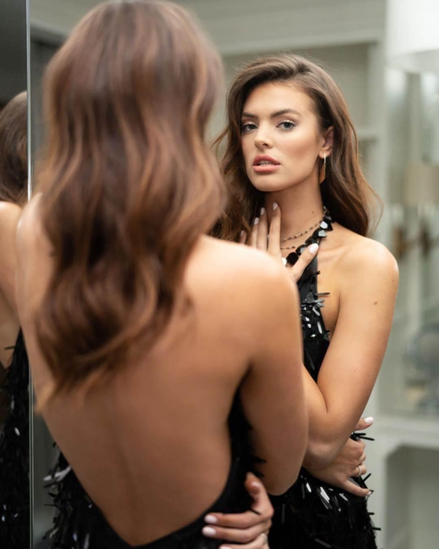 Vẻ đẹp rực rỡ của mỹ nhân Victorias Secret vừa đến VN thăm HHen Niê-10