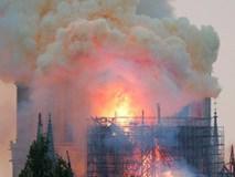 Nhà thờ Đức Bà đổ sập: Giọt nước mắt suy sụp của người dân và hành động đầu tiên của Tổng thống Pháp
