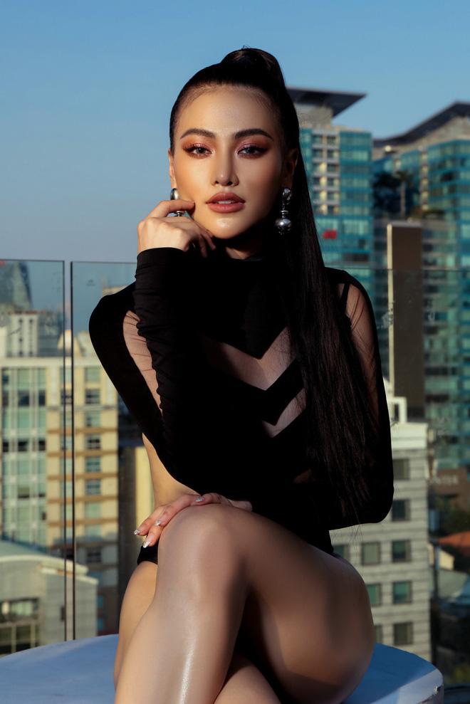 Hoa hậu Phương Khánh tung loạt ảnh mặc bikini nóng bỏng-11