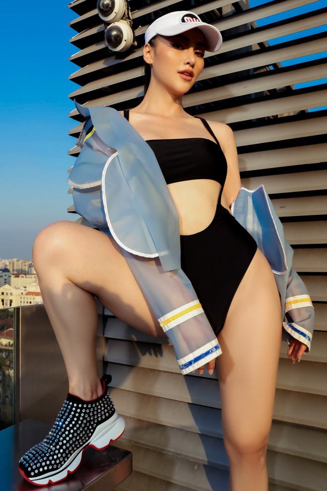 Hoa hậu Phương Khánh tung loạt ảnh mặc bikini nóng bỏng-8