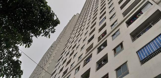 Cháy tại tầng 32 chung cư HH Linh Đàm, khói đen bốc nghi ngút khiến nhiều người hoảng sợ-9