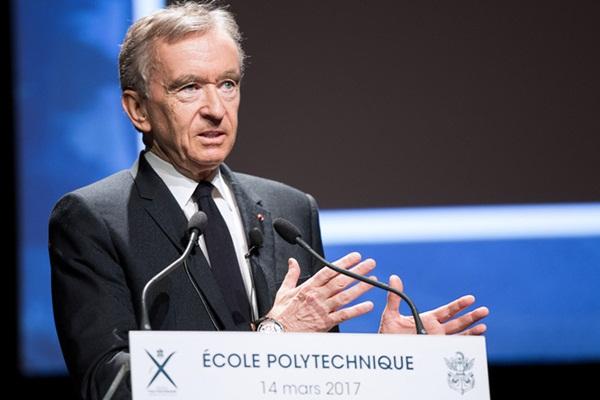 Lộ diện tỷ phú thứ 2 chi số tiền gấp đôi để khôi phục lại Nhà thờ Đức Bà Paris: Thân thế lẫy lừng đến Tổng thống Pháp cũng phải bái phục-1