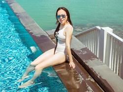 Bạn gái đại gia hơn 7 tuổi của Quách Ngọc Ngoan khoe ảnh bikini gợi cảm
