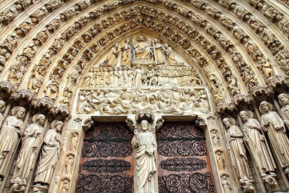 Ngắm lại Nhà thờ Đức Bà Paris, trái tim của nước Pháp trước khi chìm trong biển lửa-15