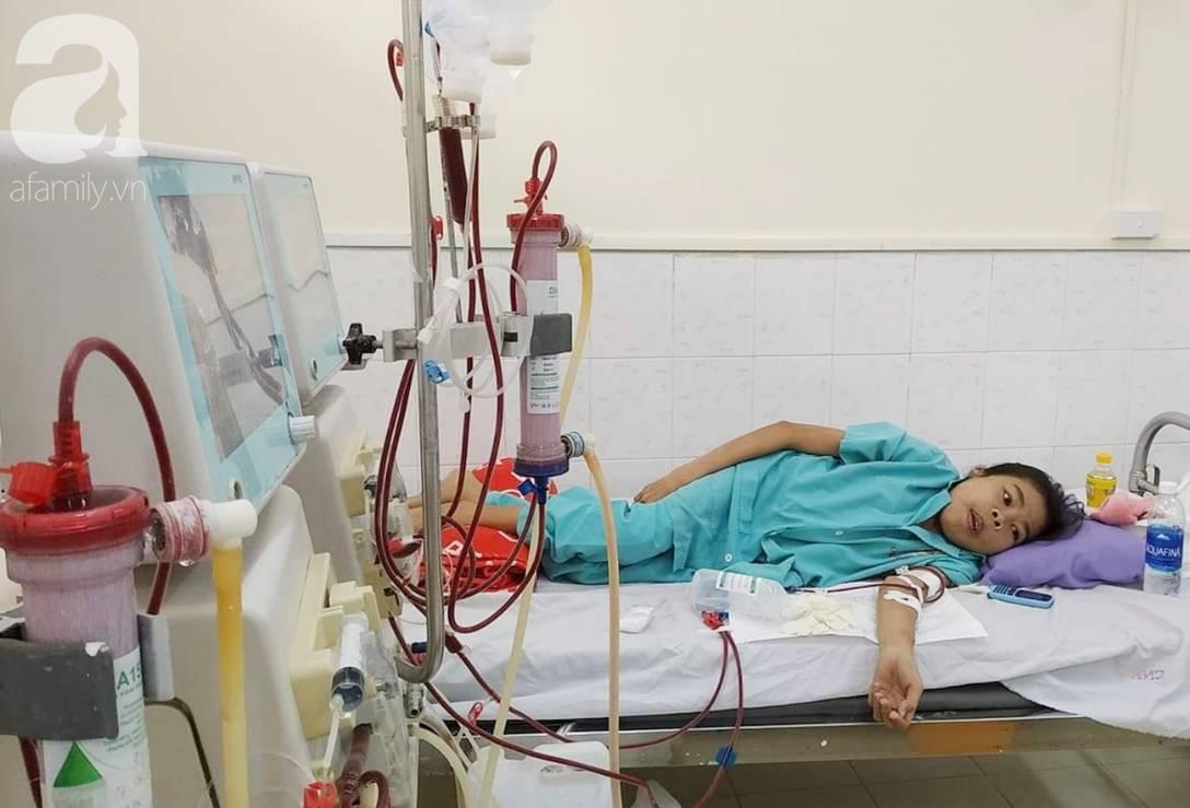 Bị suy thận nhưng vẫn cố giữ thai nhi, người mẹ bị biến dạng khuôn mặt, chấp nhận chết để con gái nhỏ được chào đời-14