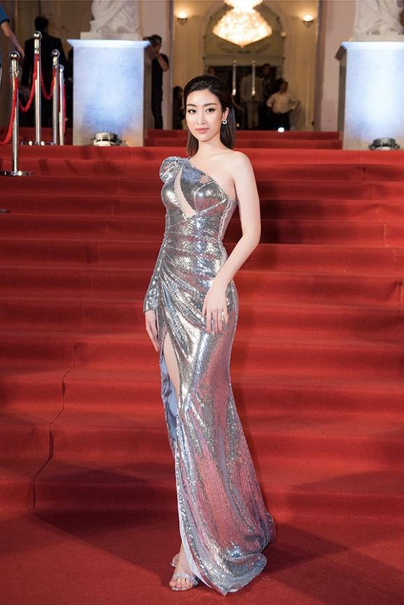 Không tin nổi, Hoa hậu Đỗ Mỹ Linh dõng dạc gọi Hà Anh Tuấn là nữ ca sĩ trên sóng trực tiếp-1