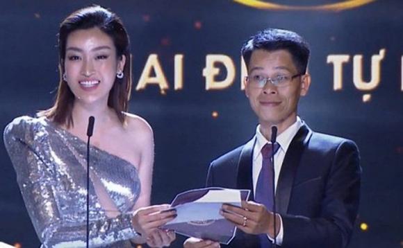 Không tin nổi, Hoa hậu Đỗ Mỹ Linh dõng dạc gọi Hà Anh Tuấn là nữ ca sĩ trên sóng trực tiếp-2