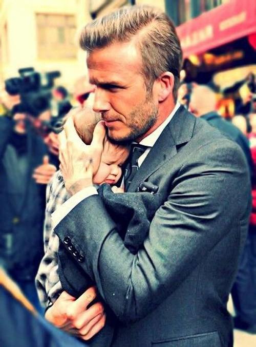Tiểu công chúa Harper Beckham: Cuộc sống quý tộc phủ kín bằng tình thân và hàng hiệu của cô bé hạnh phúc nhất Hollywood-4