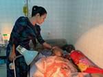 Nghệ sĩ Lê Bình 3 ngày không ăn, đau đớn bật khóc khi Đại Nghĩa, Trịnh Kim Chi đến thăm-6